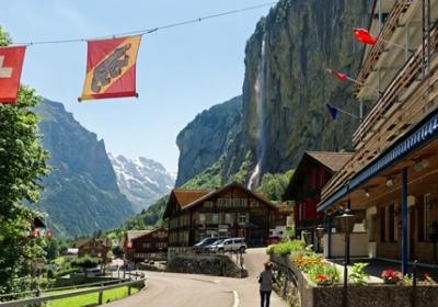 Bern-Interlaken-Jungfraujoch-full day tour copy